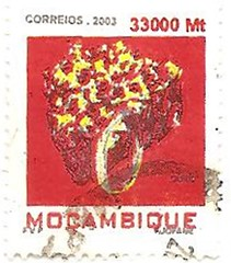 Mozambique red stamp (sftrajan) Tags: africa stamp timbre mozambique postagestamp philately moambique sello filatelia briefmarke  francobollo sellopostal  timbrepostal selopostal