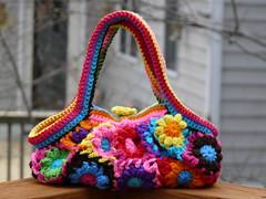 The back of the Flower Blossom Bag (crochetbug13) Tags: flowers flower bag blossom crochet lining lined flowerbutton fatbag blossombag crochetnoro crochetfatbag flowerblossombag