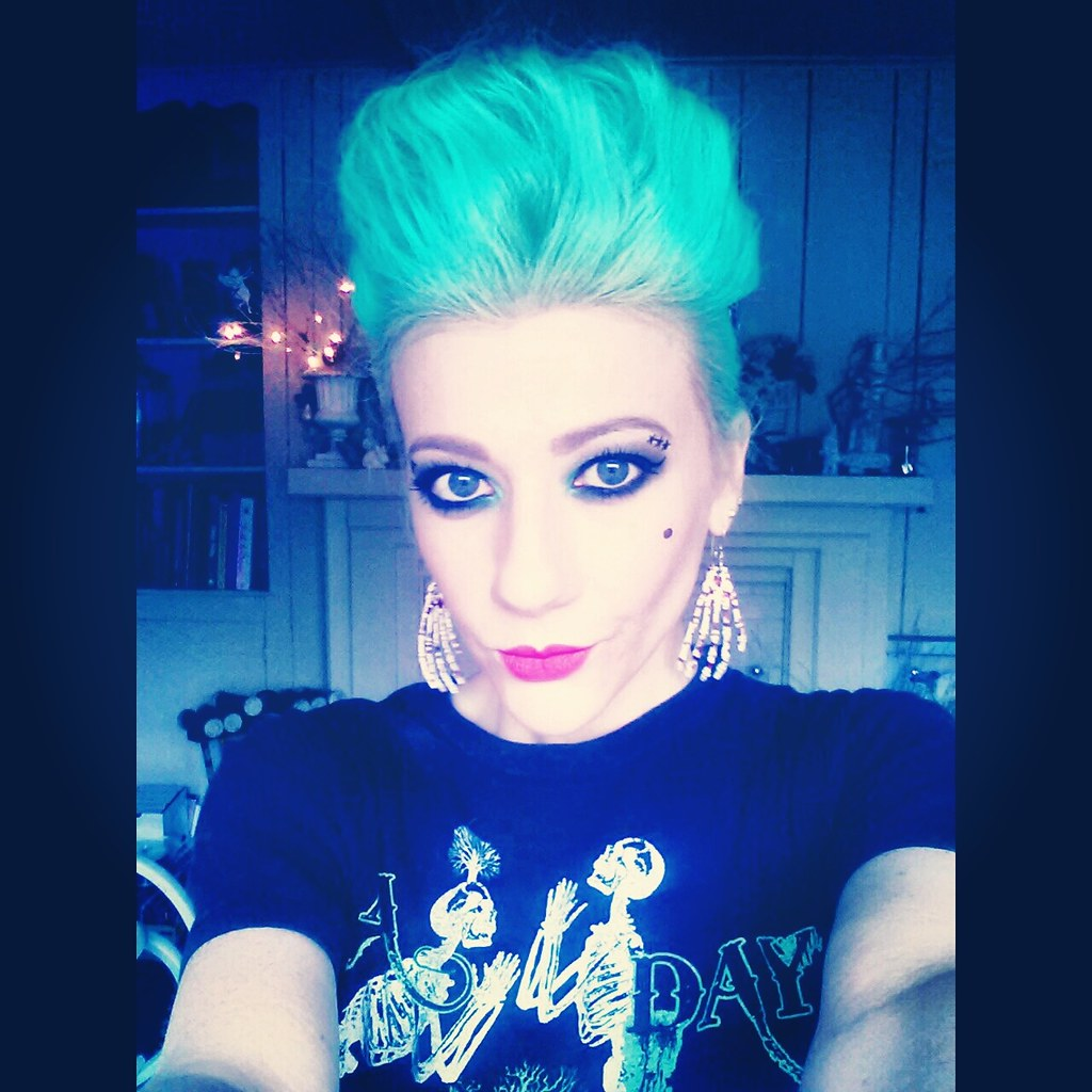 Psychobilly girl hair
