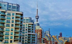 Toronto. (rbrnal) Tags: street city blue sunset cidade sky urban toronto ontario canada building architecture downtown cntower ciudad cans2s cmwdblue