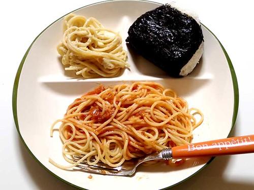スパゲッティとおにぎり