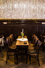 reserviert (Giovanna Intra) Tags: ballroom cabaret sedie tavolo ristorante saladaballo clärchensballhaus saladebaile