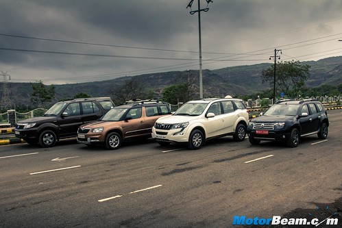 2015-Mahindra-XUV500-vs-Skoda-Yeti-vs-Tata-Safari-Storme-vs-Renault-Duster-AWD-13