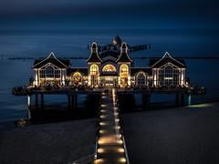 Seebrcke Sellin, Rgen (u.fo) Tags: sea beach strand germany coast pier meer nacht olympus balticsea bluehour rgen brcke ostsee dunkel sellin kste em1 seebrcke blauestunde beleuchtet m1240mm