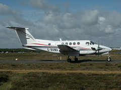 G-BVMA BEECH 200 SUPER KING AIR (BIKEPILOT) Tags: flying airport aircraft aviation aeroplane airfield aerodrome blackbushe eglk gbvma beech200superkingair