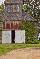 Round Barn with Cupola (janetswandby) Tags: architecture rural illinois farm barns structures cupola roundbarns