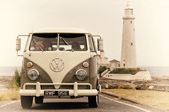 Whitley Bay Split (AJ_Airey) Tags: lighthouse st vw bay rally marys van camper tynemouth campervan splitscreen whitley
