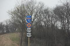 36761 (richiekennedy56) Tags: usa unitedstates kansas i70 us40 maywood bonnersprings us24 wyandottecountyks hwysigns