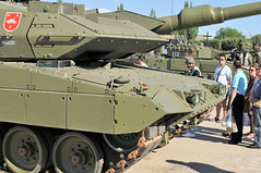 "Leopard 2E (8) • <a style=""font-size:0.8em;"" href=""http://www.flickr.com/photos/81723459@N04/10455182026/"" target=""_blank"">View on Flickr</a>"
