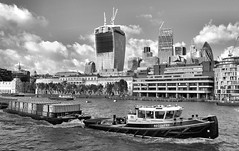 Recovery (R~P~M) Tags: uk greatbritain england london thames river boat unitedkingdom tug