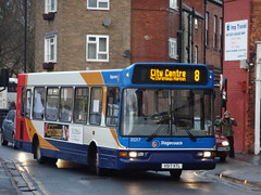 Stagecoach in Lincolnshire 33217 V517 XTL on 8 (sambuses) Tags: 33217 stagecoachinlincolnshire v517xtl