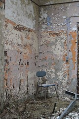 (Vader 68) Tags: abandoned chair decay asylum kingsparkpsychiatriccenter