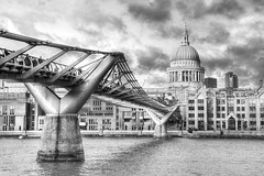 "Millennium Bridge • <a style=""font-size:0.8em;"" href=""http://www.flickr.com/photos/45090765@N05/12933942955/"" target=""_blank"">View on Flickr</a>"