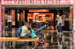 Little Girl Dreaming of Victoria's Secret (www.higbyphotography.com) Tags: dad dreaming littlegirl oldpeople victoriassecret youngpeople northparkmall dermasbig