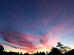 Levé de soleil (karine_avec_1_k) Tags: bleu blue red rouge ciel sky clouds nuages february février hiver winter