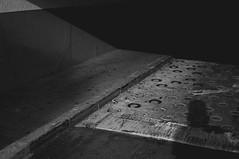 (YOUANDMEORUS) Tags: bw monochrome japan tokyo availablelight 日本 東京 モノクロ 白黒 セルフ