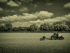 Post Harvest (Jeff R Parker) Tags: food tractor field corn unitedkingdom farm harvest lifestyle crop agriculture oxfordshire claas longwittenham