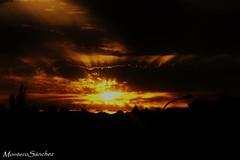 Puesta de Sol. (4) (MonteroSánchez) Tags: sunset sun sol clouds atardecer spain sony nubes puestadesol cáceres anochecer lateafternoon extremadura santibáñezelbajo