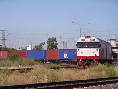 G512 leads the P&O shunt out of North Dynon (bukk05) Tags: railroad train tracks railway melbourne victoria container po adelaide freight sct gclass lpc emd ma2 standardgauge dynon g512 rp3 railpage southdynon simsstreet