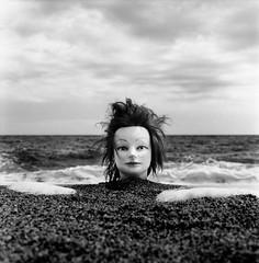marée montante (Birdyphage) Tags: 120 6x6 beach rollei sand head sable plage tête 400s marée rolleiflex35f virela gardela virela2 virela3 virela4 virela5 virela6 virela7 virela8 virela9 virela10