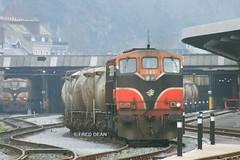 Irish Rail 083 in Kent Station. (Fred Dean Jnr) Tags: cork locomotive irishrail iarnrodeireann december2006 071class kentstationcork cementtrain gm083