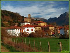 VillaSusto (Valle de Mena) (Alfer520) Tags: pueblo casas burgos castillayleon merindades villasuso valledemena rutadelrománicomenés jabalítráil alfer520
