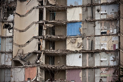Iona Court Demolition (stuballscramble) Tags: uk concrete scotland glasgow demolition highrise govan ibrox multistory socialhousing gha ionacourt