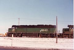 BN 6642 in Moorhead-Winter of 1980-1981 (look4trains) Tags: f45