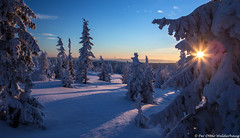 Winter sun set... (Pewald) Tags: winter sunset mountain snow cold nature norway landscape bluehours 16c