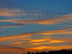 P1020507trav (pascalpiette) Tags: leica city red cloud sol clouds sunrise lumix soleil belgium belgique alba cities down du jour panasonic amanecer aurora wee hours raymond pascal towns huy octave heure lever bleue aurore aube piette dmcfz72 18012014