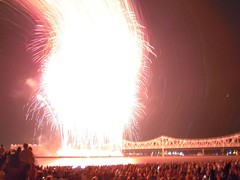 DSCN1714 (Billy V) Tags: bridge sky night river fireworks kentucky louisville ohioriver thunderoverlouisville