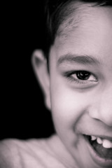Weekend portraits (Palani S) Tags: portrait bw india monochrome smile weekend mykid indoor childrens playtime chennai tamil tamilnadu vetri 2015 canon400d yatheesh jul2015