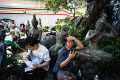 #02 (Sakulchai Sikitikul) Tags: street snap streetphotography 28mm voigtlander a7s sony temple watpho tourist thailand bangkok sculpture statue