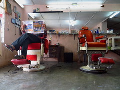 Peluquera (Alfredo Alanis M.) Tags: people mxico canon powershot personas barbershop mexique hairdressers barbers mexiko coiffure messico hairdressing  nuevolen parrucchiere hairdressersshop   hairdressingsaloon   nuevoleonmexico  allendenuevoleon canonpowershotsx260
