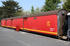 jgroom_80435_winchcombe_gwr_april2011_3c (Jim Groom) Tags: red train coach br carriage postoffice rail railway gloucestershire winchcombe pot royalmail preserved van freight britishrail warwickshire stowage nta gwr 2011 80435 jimgroom