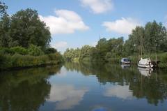 On the River Waveney near Beccles (Kirkleyjohn) Tags: reflection reflections day clear beccles riverwaveney