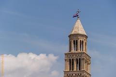 Kroatien (Edi Bhler) Tags: sky building church clouds kirche himmel wolken structure split bauwerk dach gebude kroatien splitskodalmatinska geschftlich 28300mmf3556 nikond3s structuredetail bauwerkdetail