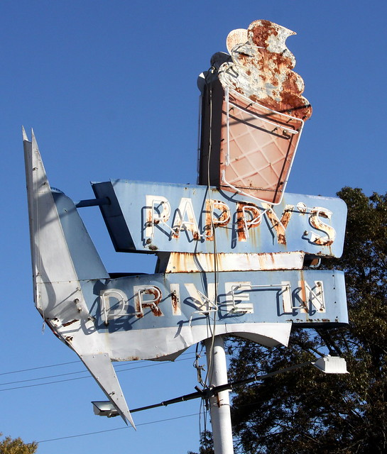 Pappy's Drive-In neon sign - Milan, TN