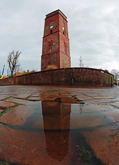 Alter Leuchtturm Borkum (eLKayPics) Tags: lighthouse reflection brick tower rain architecture germany puddle deutschland insel northsea poi ostfriesland architektur sight turm nordsee spiegelung regen leuchtturm borkum emden backstein niedersachsen lowersaxony sehenswrdigkeit 1576 pftze frisia nordseeinsel pointofinterest landkreisleer alterleuchtturmborkum elkaypics lutzkoch