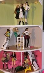 Nu Face house 21-5-14 (tecno_79) Tags: house fashion gavin cool model group giselle eden trend imogen colette lilith rayna nadja grouping annik setters fashiondolls integritytoys dominquie nuface erinsalton ethincdolls aafemaledolls