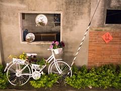 清水舊宅 (無聊鬼) Tags: gx8 lumixgvario1235f28 台中 台灣 腳踏車 房屋