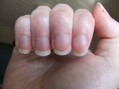 DSCF6998 (ongle86) Tags: ongles nails rongés biting pouce thumb sucé sucking doigts fingers hand mains fetishisme