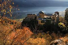 Val d'Aosta - Castello di Quart, dopo il restauro (mariagraziaschiapparelli) Tags: valdaosta castelli castellodiquart quart autunno camminata