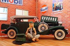 1932 Cadillac V-16 Sport Phaeton diecast 1:24 made by Danbury Mint (rigavimon) Tags: diecast miniaturas 124 diorama cadillac 1932 v16 phaeton jfigure