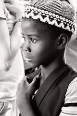 guapo !!! (Marián ;)) Tags: niño guapo senegal retrato bw blancoynegro viaje dindefelo gorro