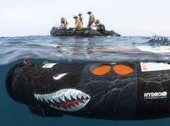 Unmanned underwater vehicle searches for mines. (Official U.S. Navy Imagery) Tags: heritage america liberty freedom commerce unitedstates military navy sailors fast worldwide tradition usnavy protect deployed flexible onwatch beready defendfreedom warfighters nmcs chinfo us5thfleetareaofresponsibility sealanes warfighting preservepeace deteraggression operateforward warfightingfirst navymediacontentservice