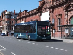 i4 xprss 331 Nottingham Station (Guy Arab UF) Tags: nottingham bus buses station trent barton sr tempo 331 optare wellglade wellgladegroup yj12gwm
