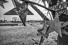 Seis meses depois do furaco Sandy ... (galeriapt.gaudiumpress) Tags: blackandwhite usa newyork hope aftermath unitedstates sandy northamerica recovery rebuild estadosunidos breezypoint damages norteamerica superstorm sandystorm gustavokralj gaudiumpress noreamerica
