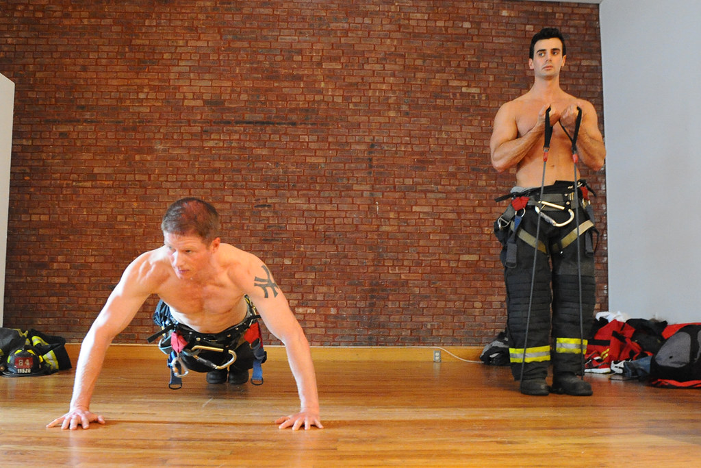 Behind the Scenes: 2014 FDNY Calendar of Heroes (Official New York City  Fire Department
