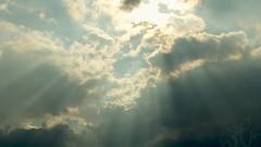 Volle Strahlung (n3bu) Tags: wallpaper natur wolke cumulus 169 gegenlicht objektiv zuschnitt formate fractus aufnahmetechnik auflsung fullhd1920x1080 wolkenstrahlen wolkenart nikkor18105mmf3556gedafsdxvr wettereffekte wolkengattung